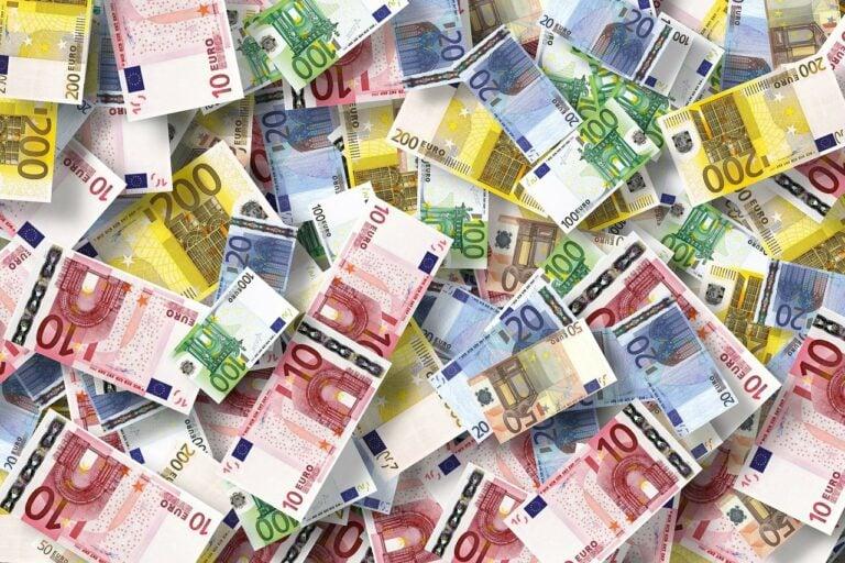 Economy Euro Currency Money  - geralt / Pixabay